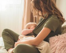 Mother's milk baby's intestinal bacteria provides