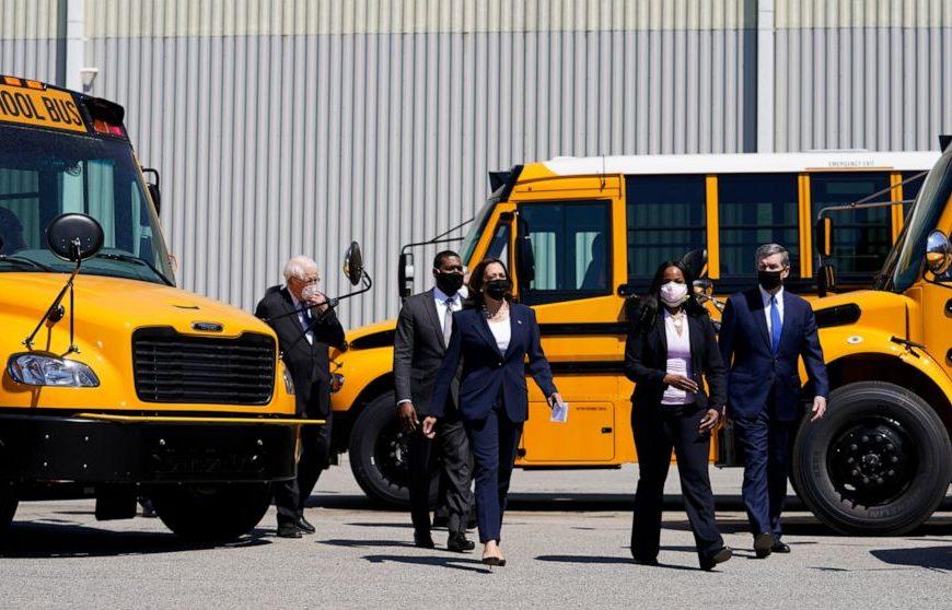 Dems push $25B to electrify school buses, a Biden priority