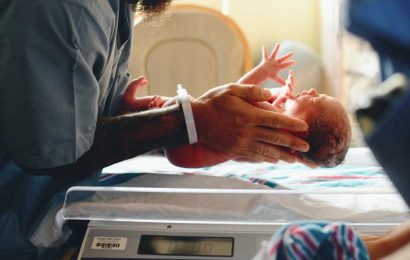Premature birth associated with 'profound reduction' in brain connections